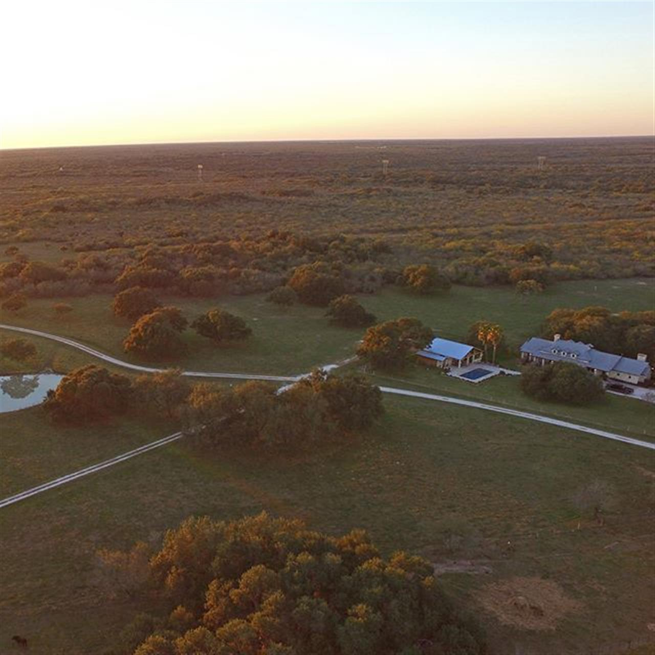 #RanchRoundup: Medio Creek Ranch in #BeeCounty, listed by @westandswoperanches. This multi-purpose ranch encompasses approx. 1,678 acres and offers first-class improvements.