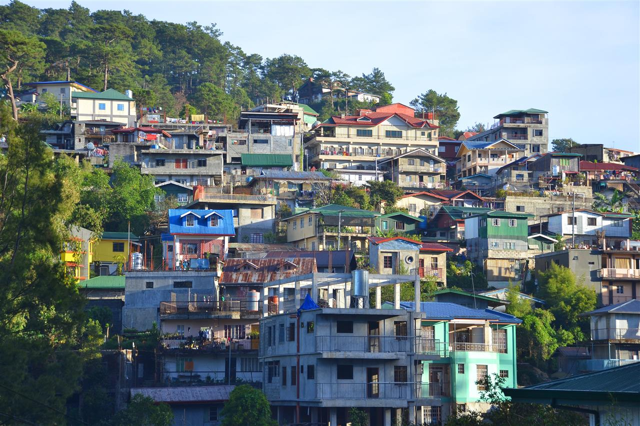 Houses in the mountain in Baguio City, Benguet, Philippines Photo by Bryan Barredo