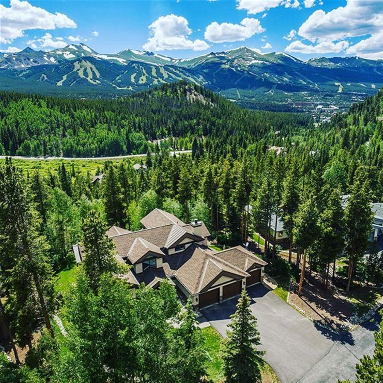 Check out this insane view! #newlisting #milliondollarviews #breck #luxuryliving