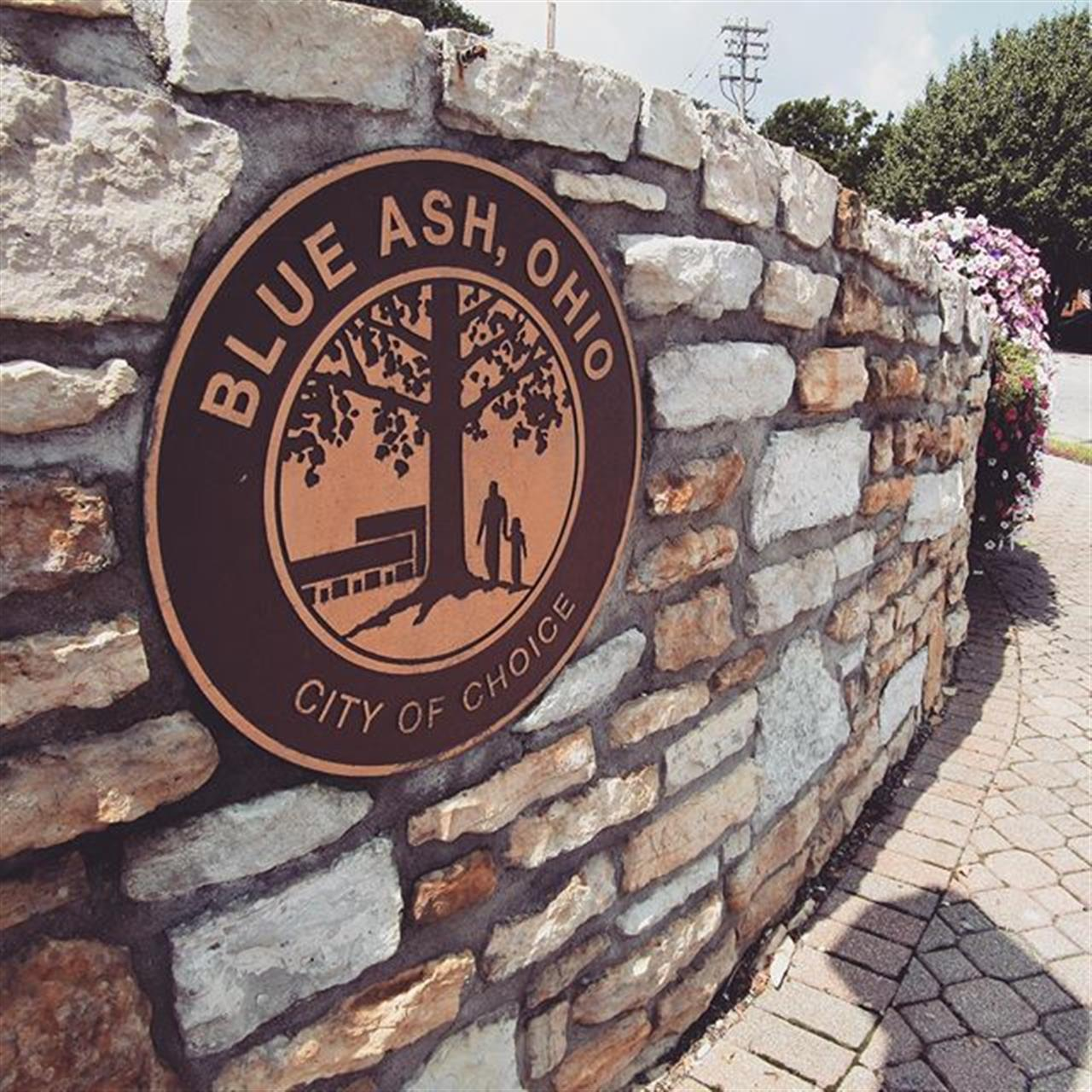 With Red, White & Blue Ash coming up, we couldn't resist spotlighting Blue Ash for this month's Instagram neighborhood feature. Did you know Blue Ash was incorporated as a village in 1955 and as a city in 1961? #homewithsibcycline #sibcycline #blueash #leadingrelocal