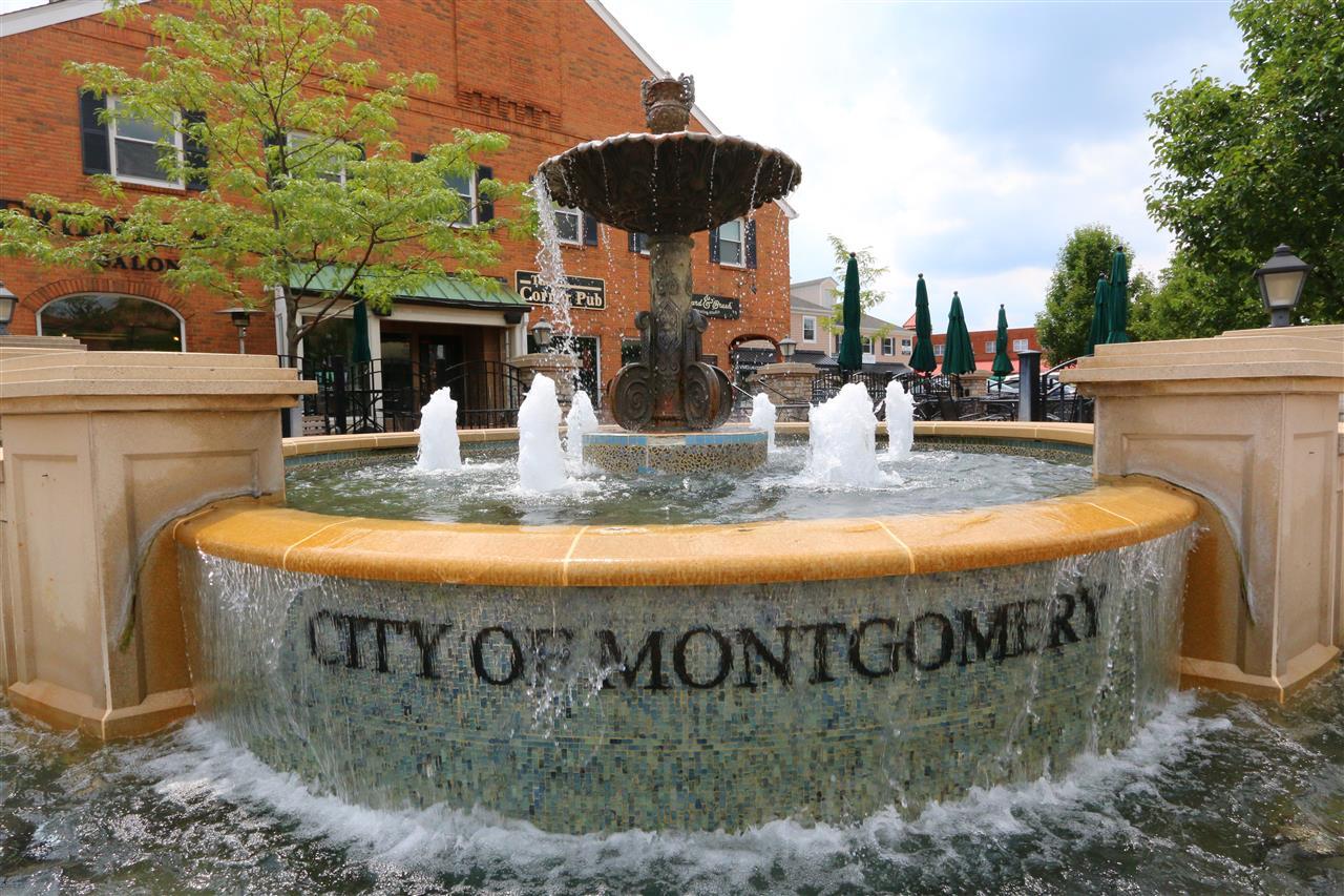 #leadingrelocal #MontgomeryOhio #CincinnatiOhio #CityofMontgomery #waterfountain