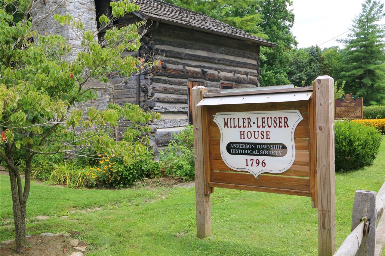 #leadingrelocal #MillerLeuserLogHouse #historic #AndersonTownship #CincinnatiOhio