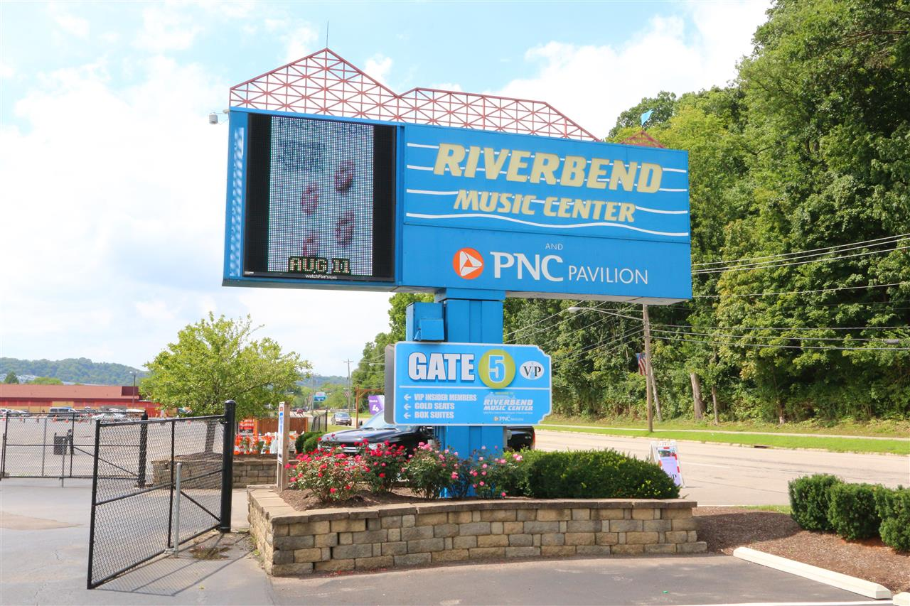 #Leadingrelocal #RiverBend #AndersonTownship #CincinnatiOhio #OutdoorConcerts #OhioRiver
