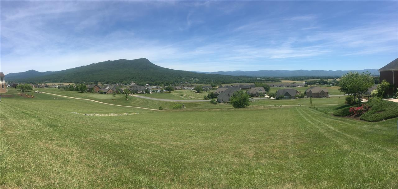 View of the Massanutten Mountain and Crossroads Farm Community in Penn Laird, VA