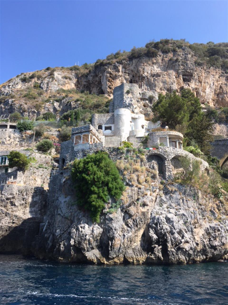 #leadingrelocal  #Amalfi #Italy