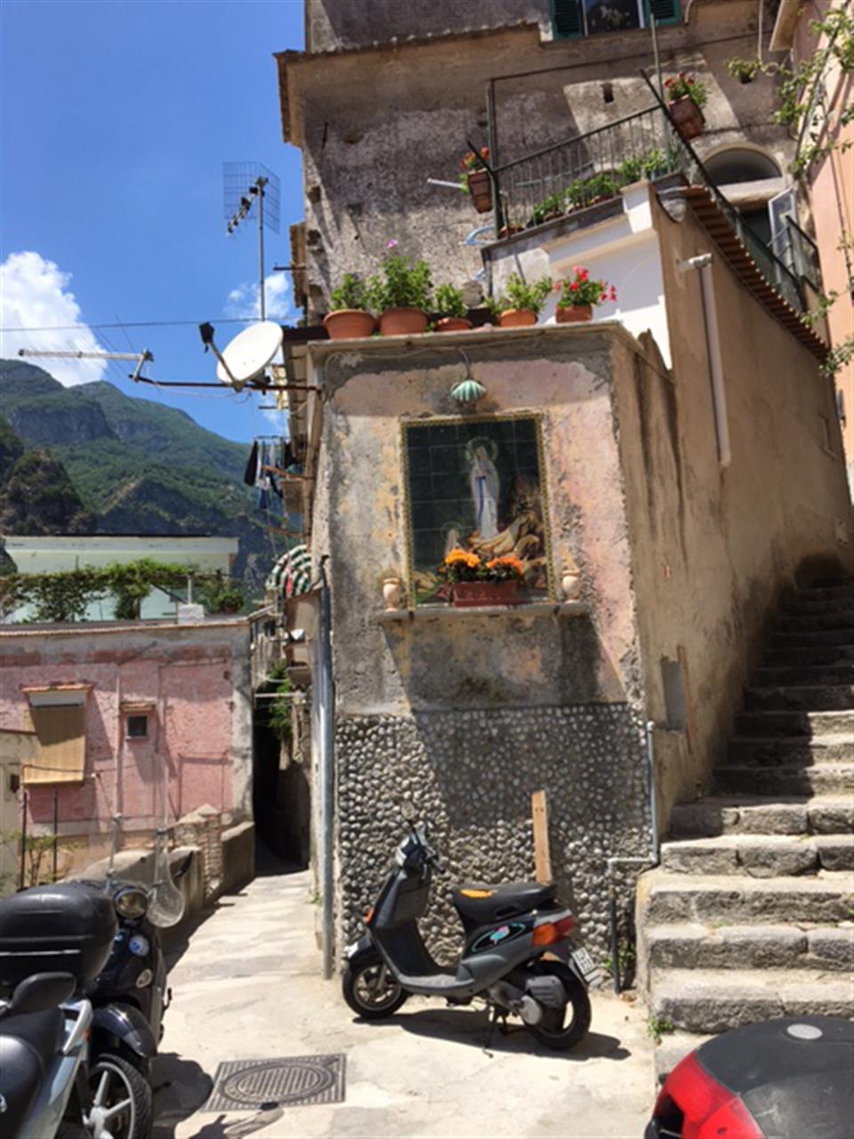 #leadingrelocal #IslandOfCapri #Italy