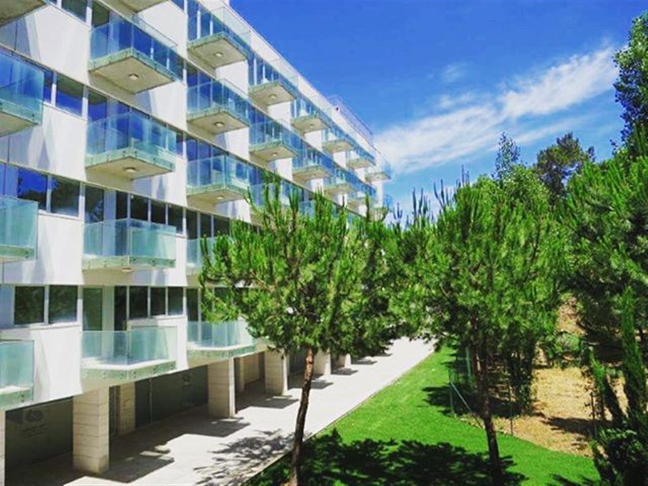 4 quartos para toda a famÝlia num fantßstico empreendimento em Oeiras. Mais infos em: www.insluxuryestates.pt |Ref: VOI1135 #insrealestateportugal #lisbon #oeiras #portugal #home #leadingrelocal