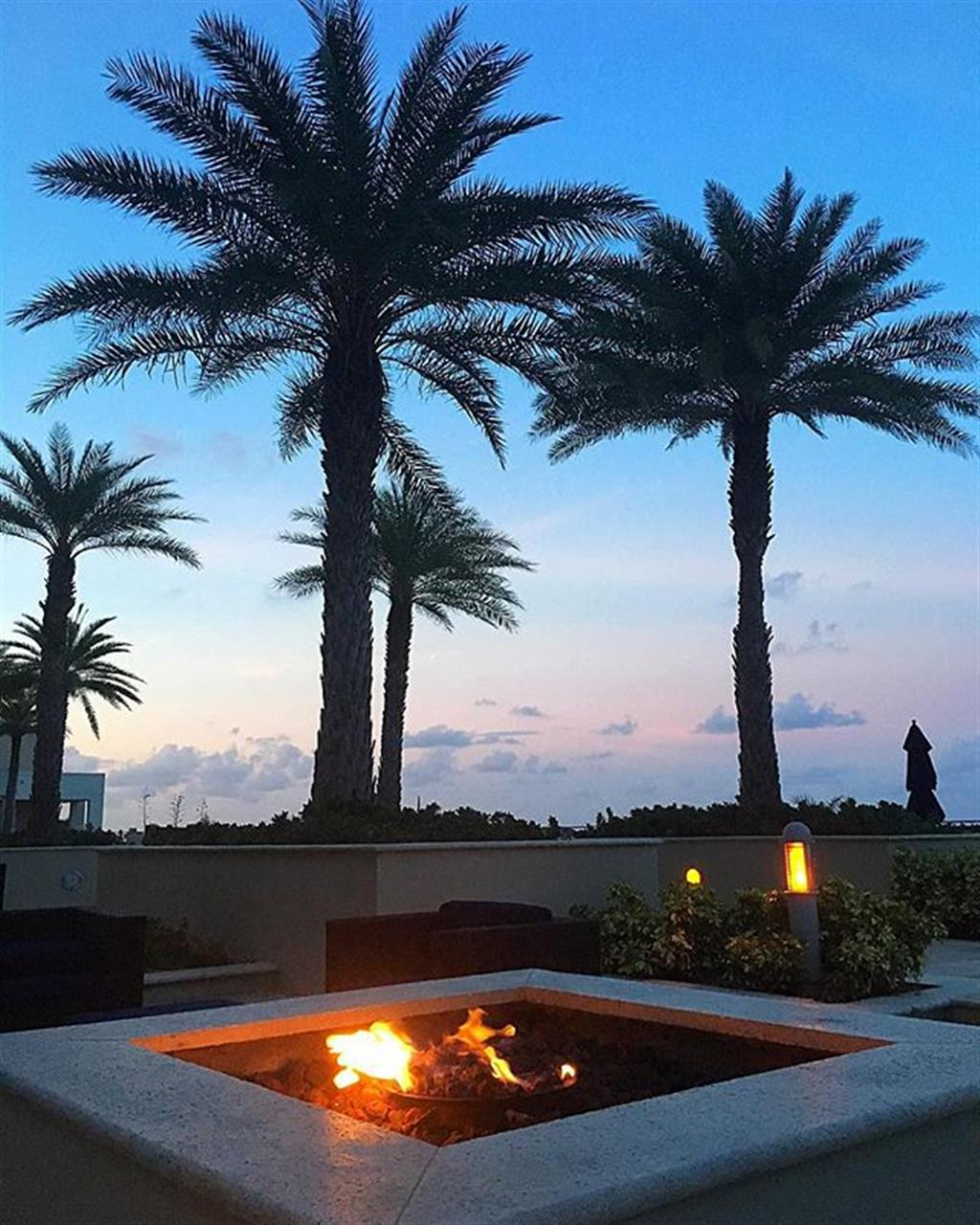 Welcome to Fort Lauderdale Beach and enjoy the view #sunset #palmtrees #firepit #zulemesarealtor #leadingrelocal