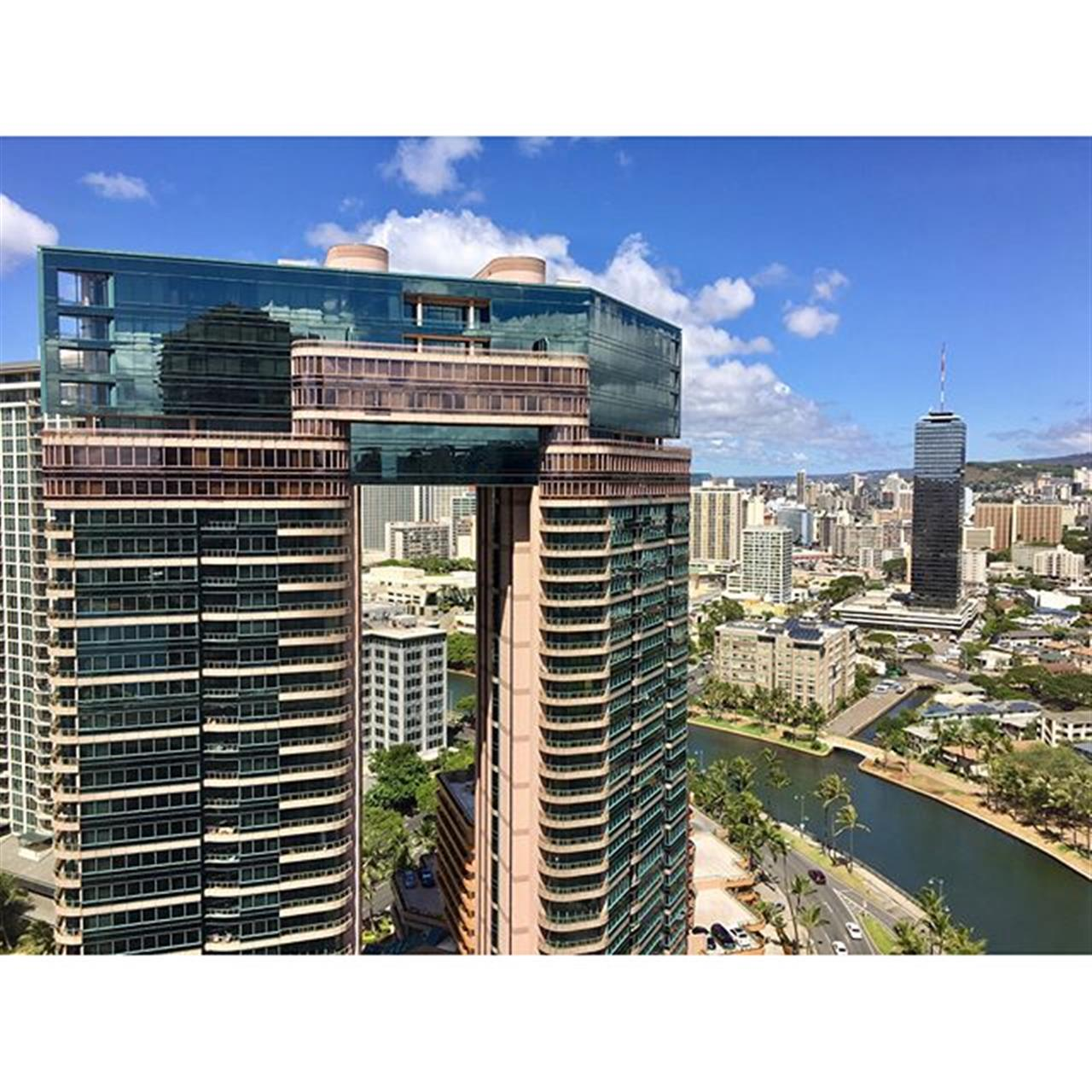 Today's views of #clientshowings in #Waikiki. Legal short-term rentals in #Oahu are hard to find. Submitting an offer later today. ?