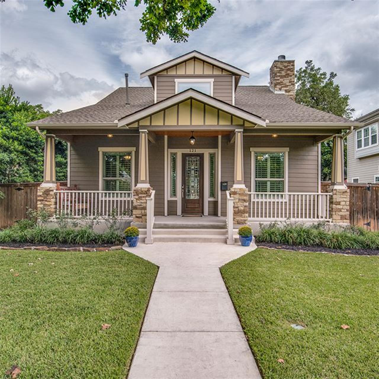 Luxury of the Day: 121 Lafayette Ave. in #AlamoHeights, listed by @ahayne. Modern, charming and move-in ready, this #Craftsman-style home features an open floor plan with wonderful natural light and large gathering spaces.