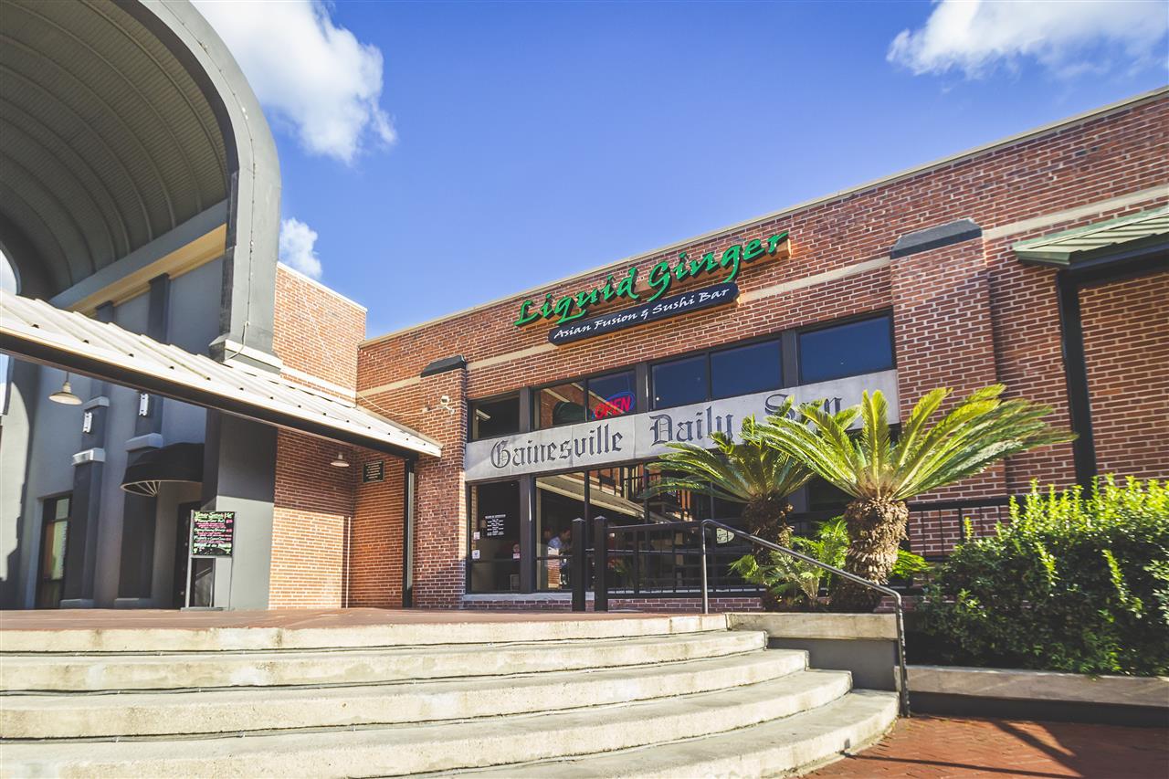 Liquid Ginger Asian Fusion and Sushi Bar Downtown Restaurant Scene #GainesvilleFL
