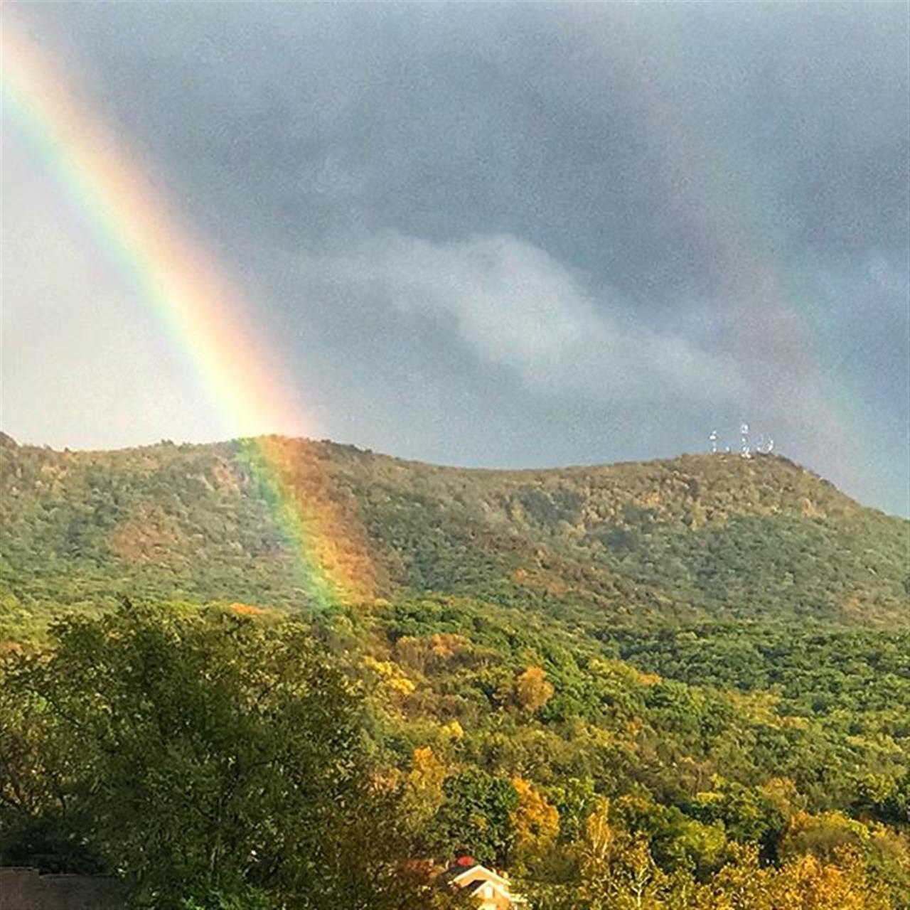 Promises ? #promise #rainbow #icanseeclearlynowtherainisgone #keezletown #virginia #massanutten  #leadingrelocal