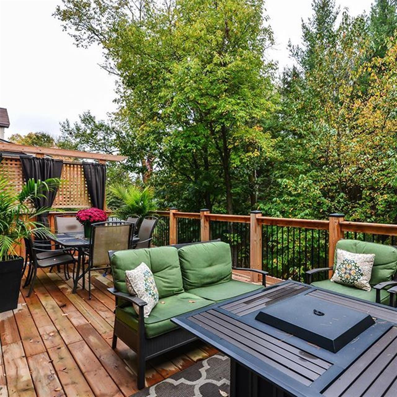 Ohh yah! This stylish #rockwood home goes live tomorrow --> @jasonsmith467 - - - - #sneakpeak #justlisted #realestate #livehere #livehappy #lovewhereyoulive #backyard #outdoors #style #nature #inspiration #leadingre #leadingrelocal