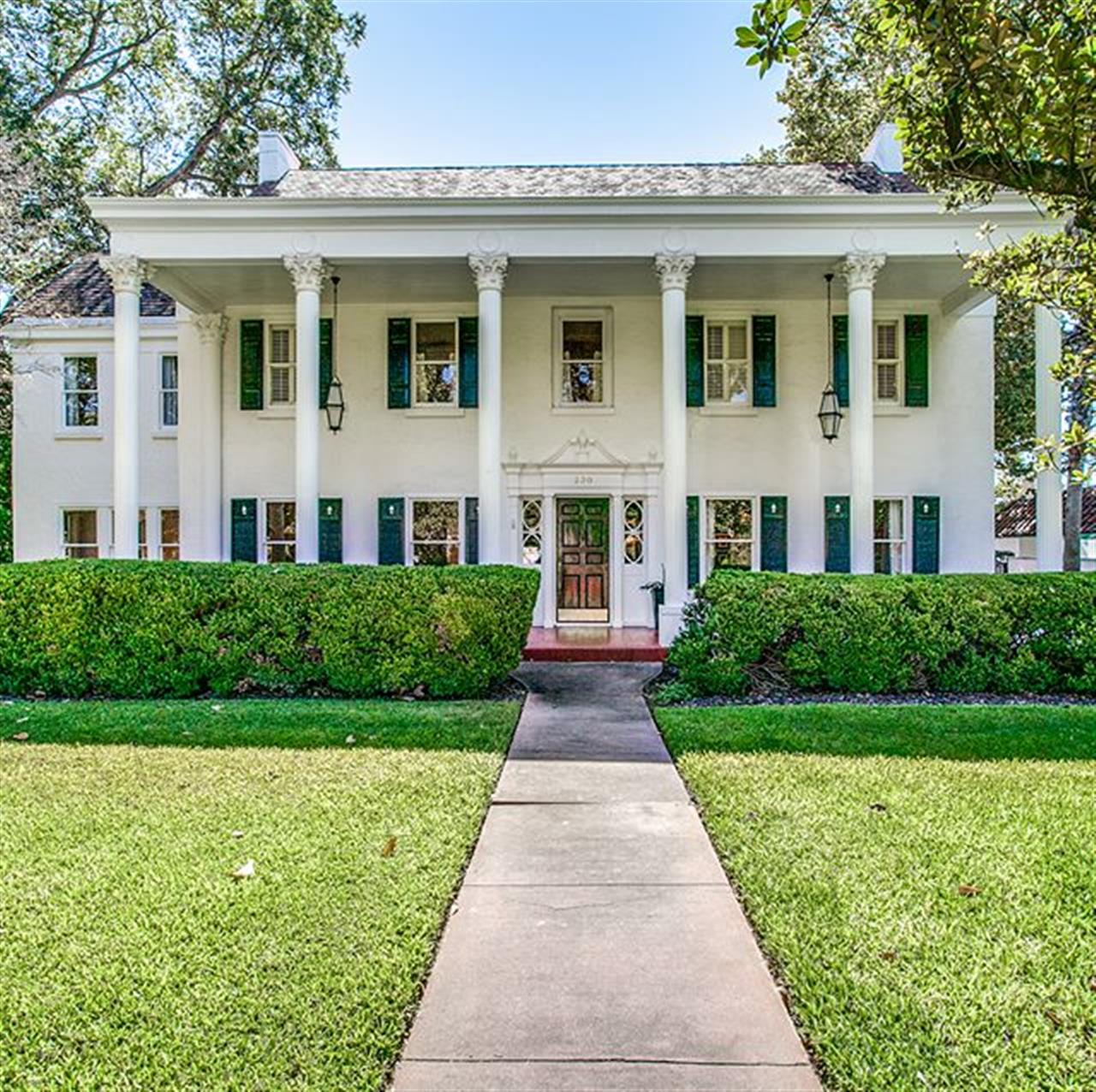 #milliondollarmonday: 230 W. Kings Hwy. in #MonteVista. This refined Colonial-style residence greets its neighbors with a wide veranda supported by an elegant colonnade facade.