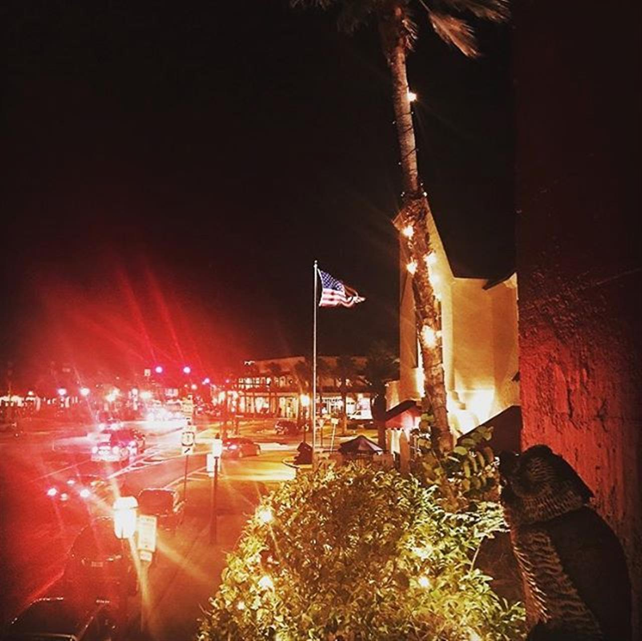Sunday nights...a bird's (or is it an owl's) eye view of the Bridge of Lions ? from Harry's @ Old City ? St. Augustine, FL #oldcitylife #oldcitylifemagazine #streetphotography #neverstopexploring #restaurant #foodie #igersstaugustine #staugustine #nightlife #light #history #usa #realtors #red #nightout #leadingrelocal