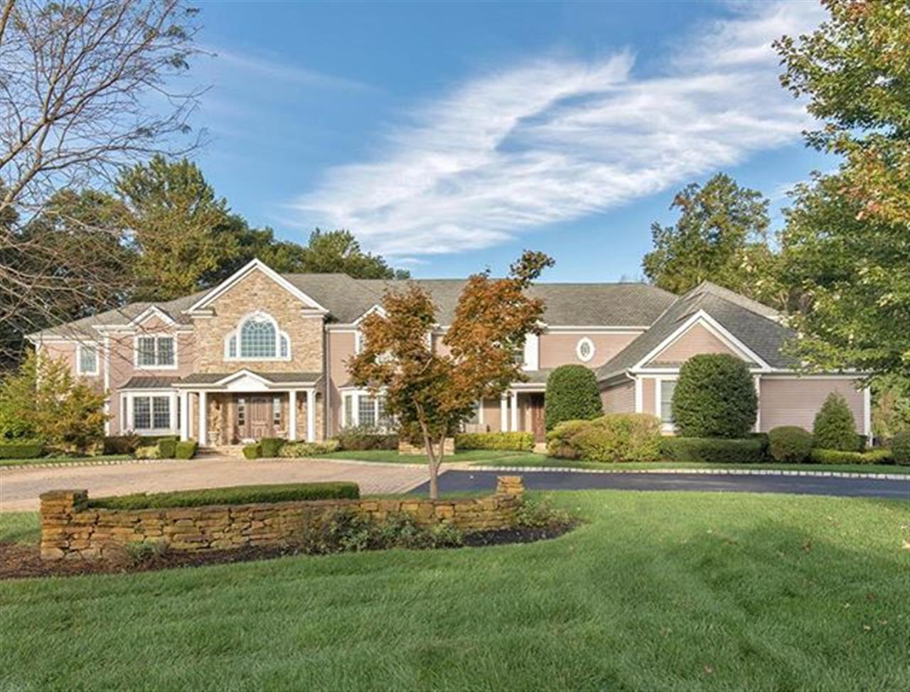Welcome to 3 Michaels Way ! The featured property of the week! . 3 Michaels Way Colts Neck, NJ http://bit.ly/2zL5yWr
