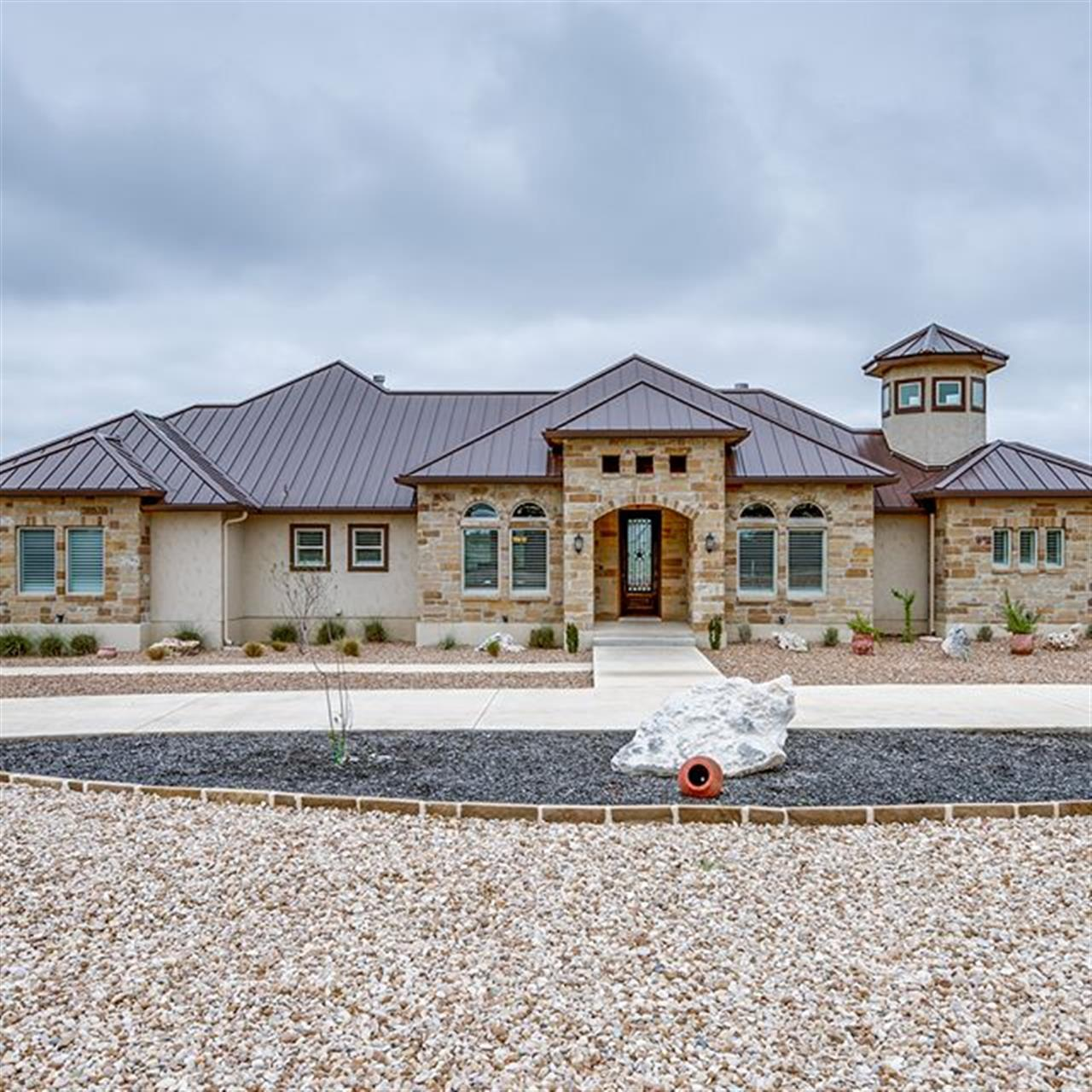 Luxury of the Day: 1413 Vintage Way in @vintageoakstx. Surround yourself in luxury, privacy and comfort at this custom-built single-story home.