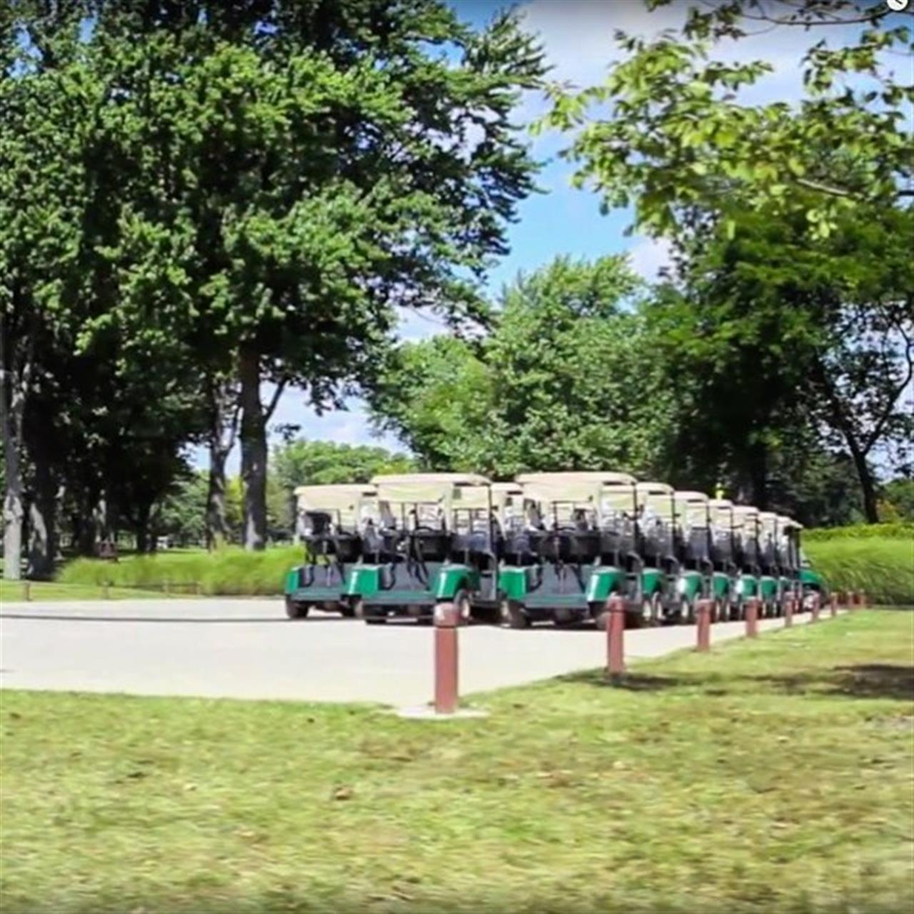 Rows of carts all ready to go. #highlandpark #leadingrelocal #chicago #realestate #golf #tbt