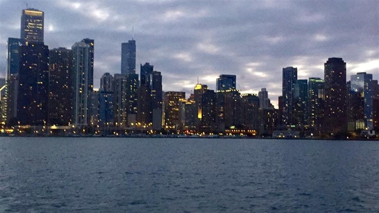 Forever stunned by the skyline's beauty #LeadingRELocal #BairdWarner #Chicago