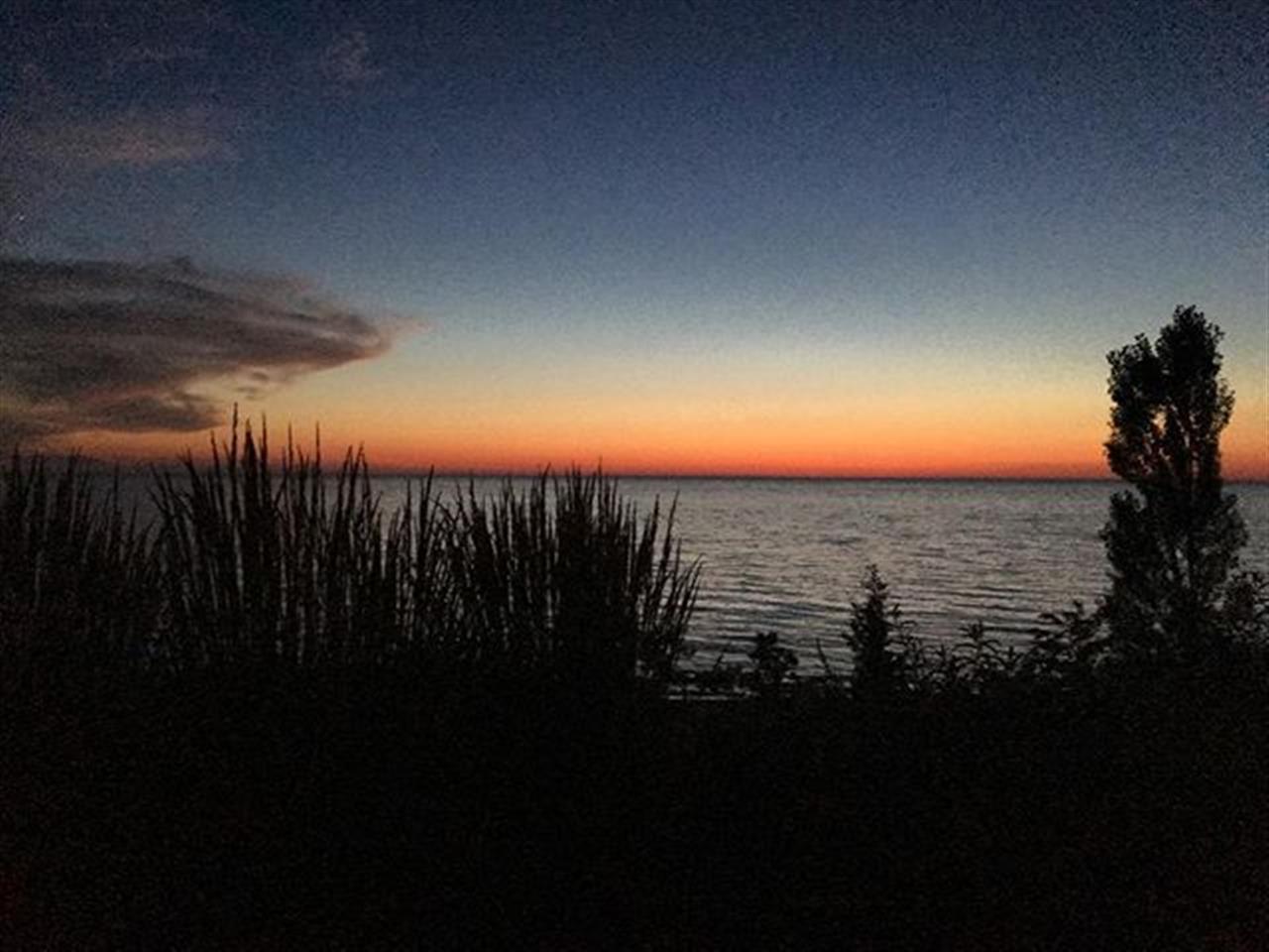 #sunset #southhaven #leadingrelocal #puremichigan #bairdwarner