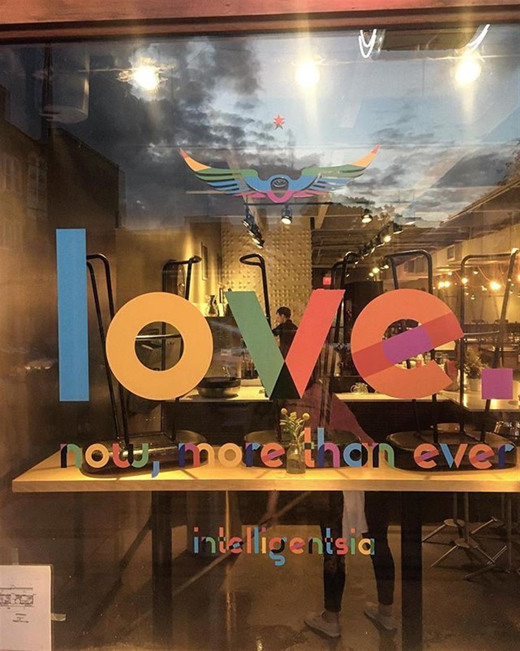 #intelligentsiacoffee is a #chicago original. #lakeview #leadingrelocal #chicago #bairdwarner