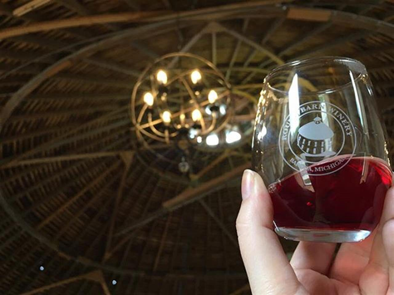 We took the train to New Buffalo and tried some local wine. #daytrip #amtrak #newbuffalo #roundbarn #wine #winetasting  #chicago #leadingrelocal #bairdwarner