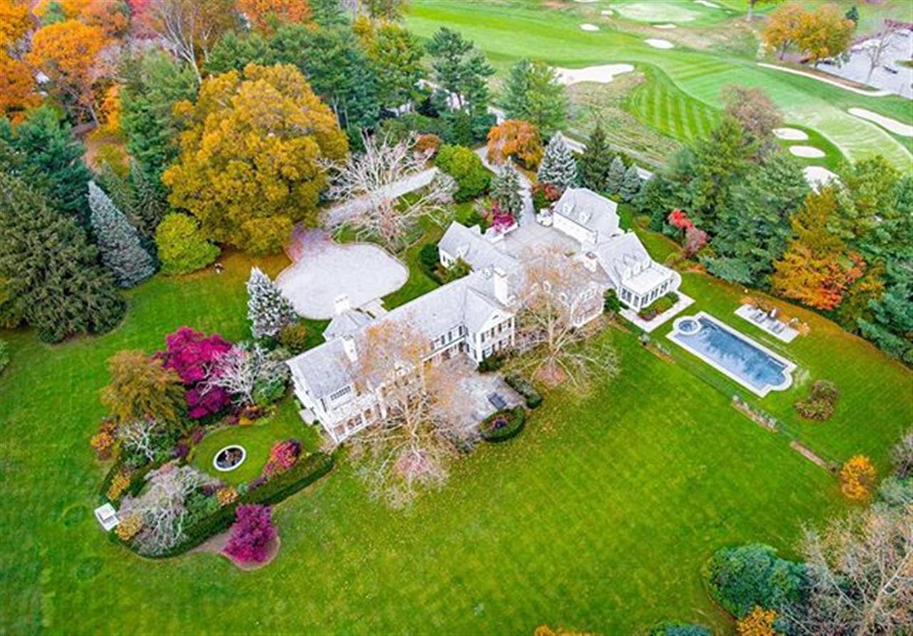 Welcome to 10 Club Way! The featured property of the week! . 10 Club Way Rumson, NJ http://bit.ly/2zRcLXR