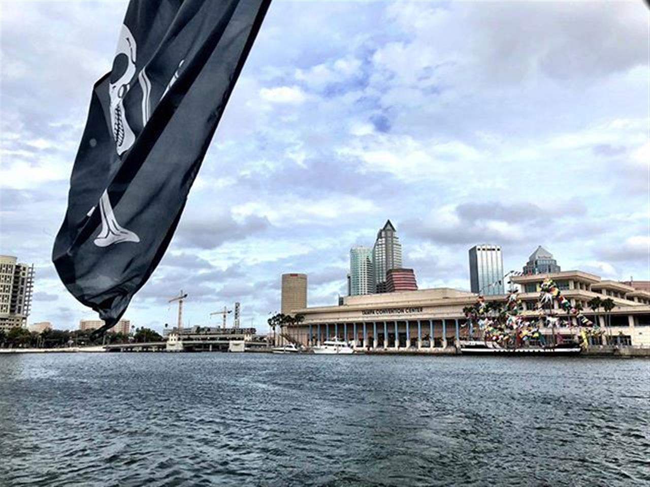 As if we didnÔÇÖt pirate hard enough yesterday. ÔÿáÔÿá #gasparilla #davisislands #downtowntampa #tampa #tampabay #pirate #aquasport #leadingrelocal