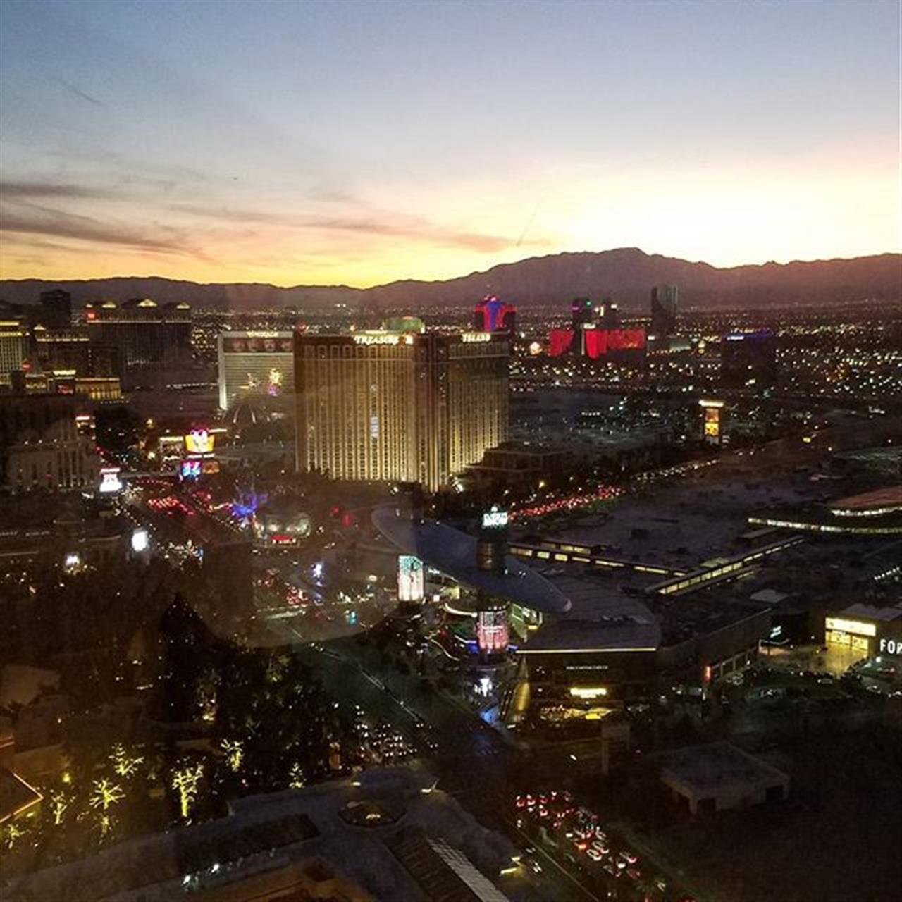 Sunset in Vegas! #leadingre, #averyhessrealtors, #imlocalimglobal