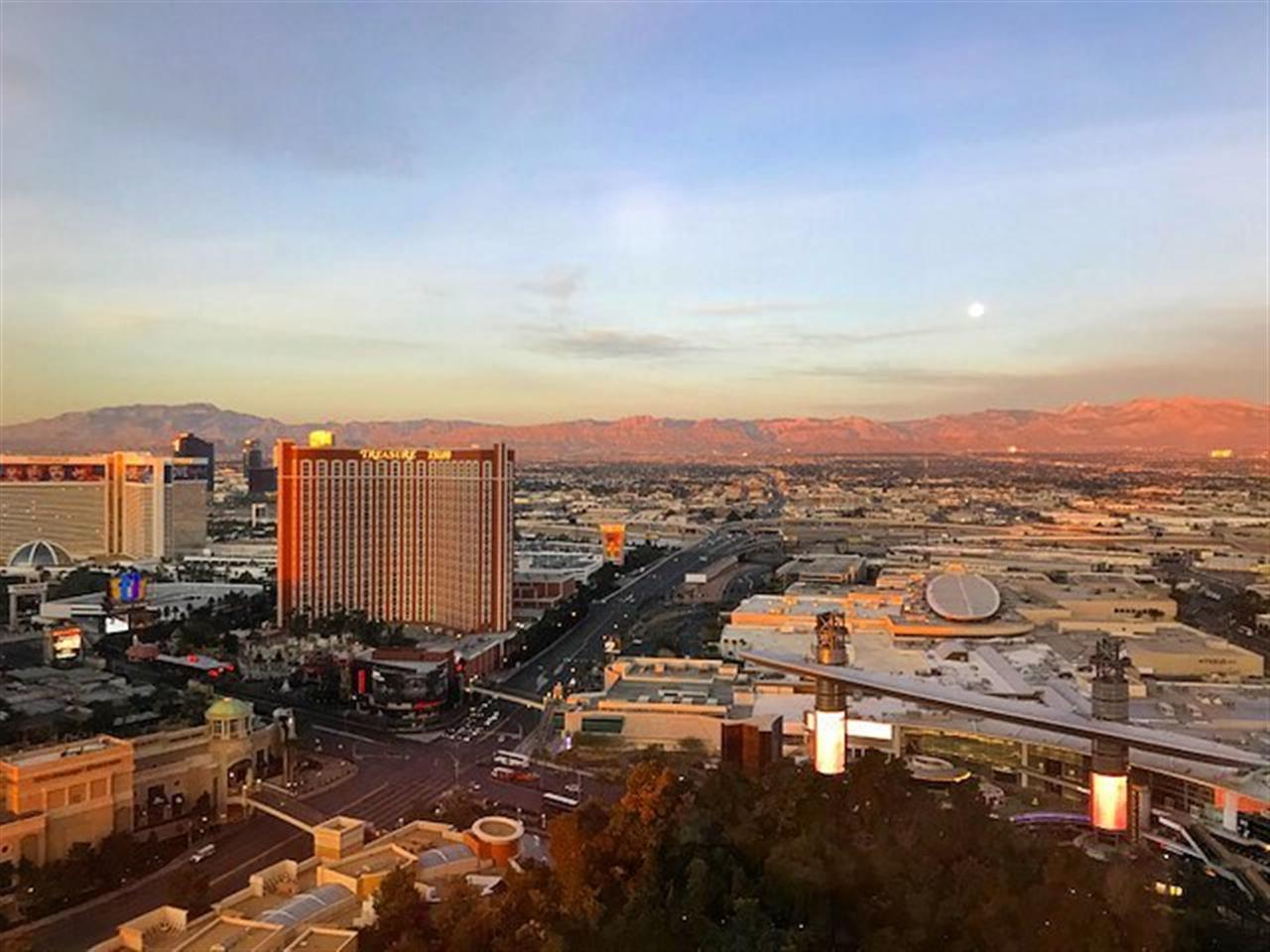 One last beautiful morning in Vegas. What an exciting, informative, and invigorating week it has been! 2018 is going to be a great year!! #goals #goalsetting #ewm #leadingre #leadingrealestatecompaniesoftheworld #leadingrelocal #miami #vegas #lasvegas #wynnlasvegas #realestate #re #southflorida #ewmrealtyinternational #luxurylifestyle #luxury #southfloridaliving