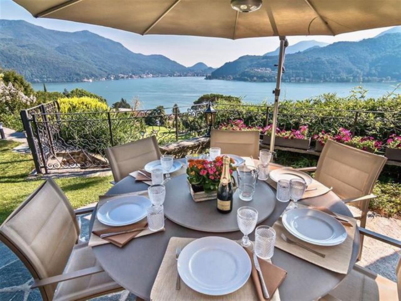 Mediterranean style #villaforsale in #Morcote #Switzerland at #Luganolake PART II, second residence possible. This Luxury Mediterranean style villa is arranged over one floor, for a current living area of 220 m┬▓ and was built in the 60s, later in 2015 restyled. Almost all the rooms opening onto the beautiful garden with palms trees, a swimming pool and a breath-taking 180┬░ panoramic lake view. This villa has the added benefit of ensuring a guaranteed unrestricted view and privacy. For more search with ref. 88519 or visit bit.ly/88519-en.  #luxuryvilla #luxuryrealestate #visitlugano #luganomycity #inlovewithswitzerland #luxurylife #luxurylifestyle #christiesinternationalrealestate #luxuryportfolio #wetagconsulting #leadingre #ChristiesHomes #LeadingRElocal