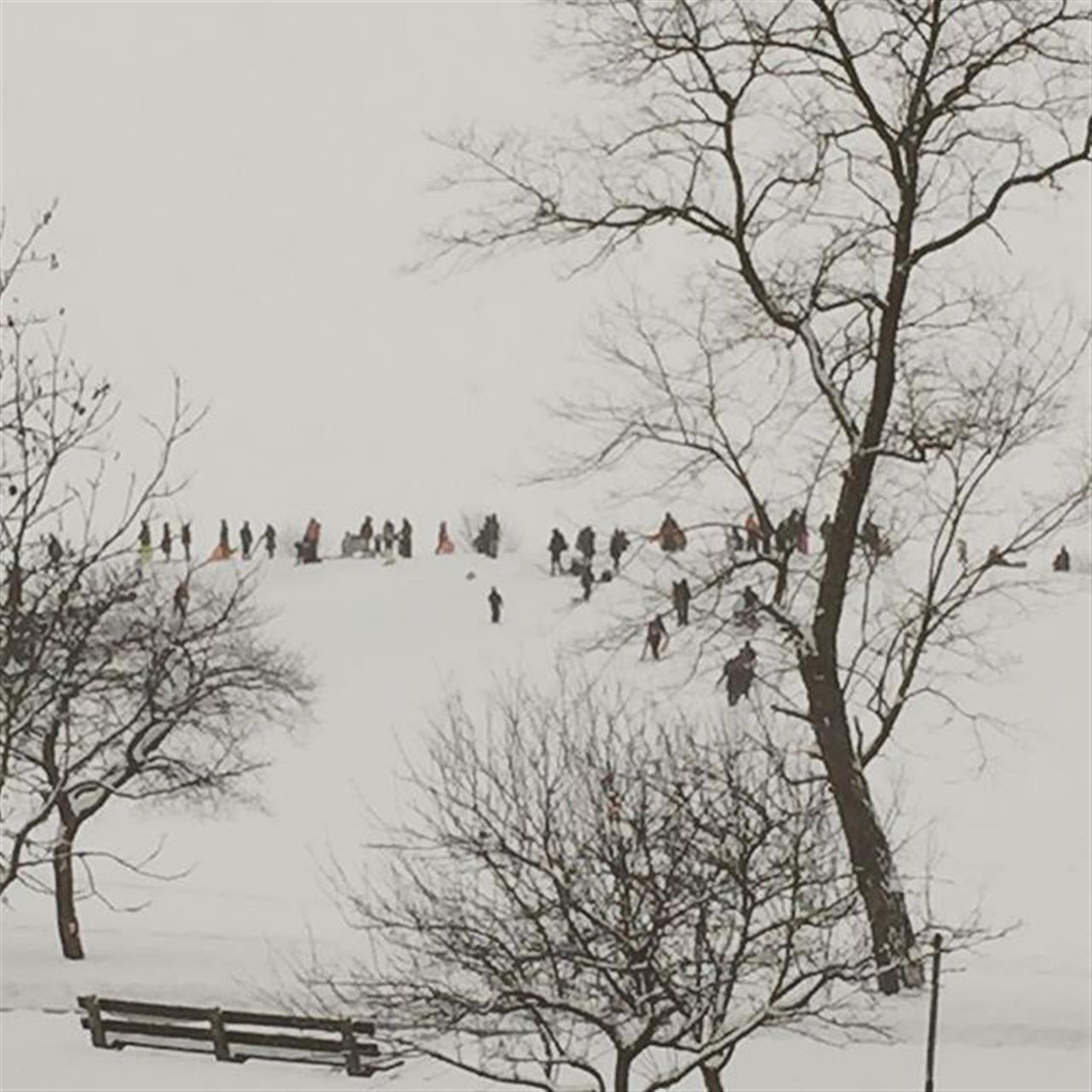 Sledding at Montrose hill  #LivingWellinChicago #realestate #leadingrelocal #chicago #howtosellyourhome #bestjobintheworld #uptown  #winterfun  #bairdwarner #findmychicagohome #lincolnpark #cityliving #winterscenes
