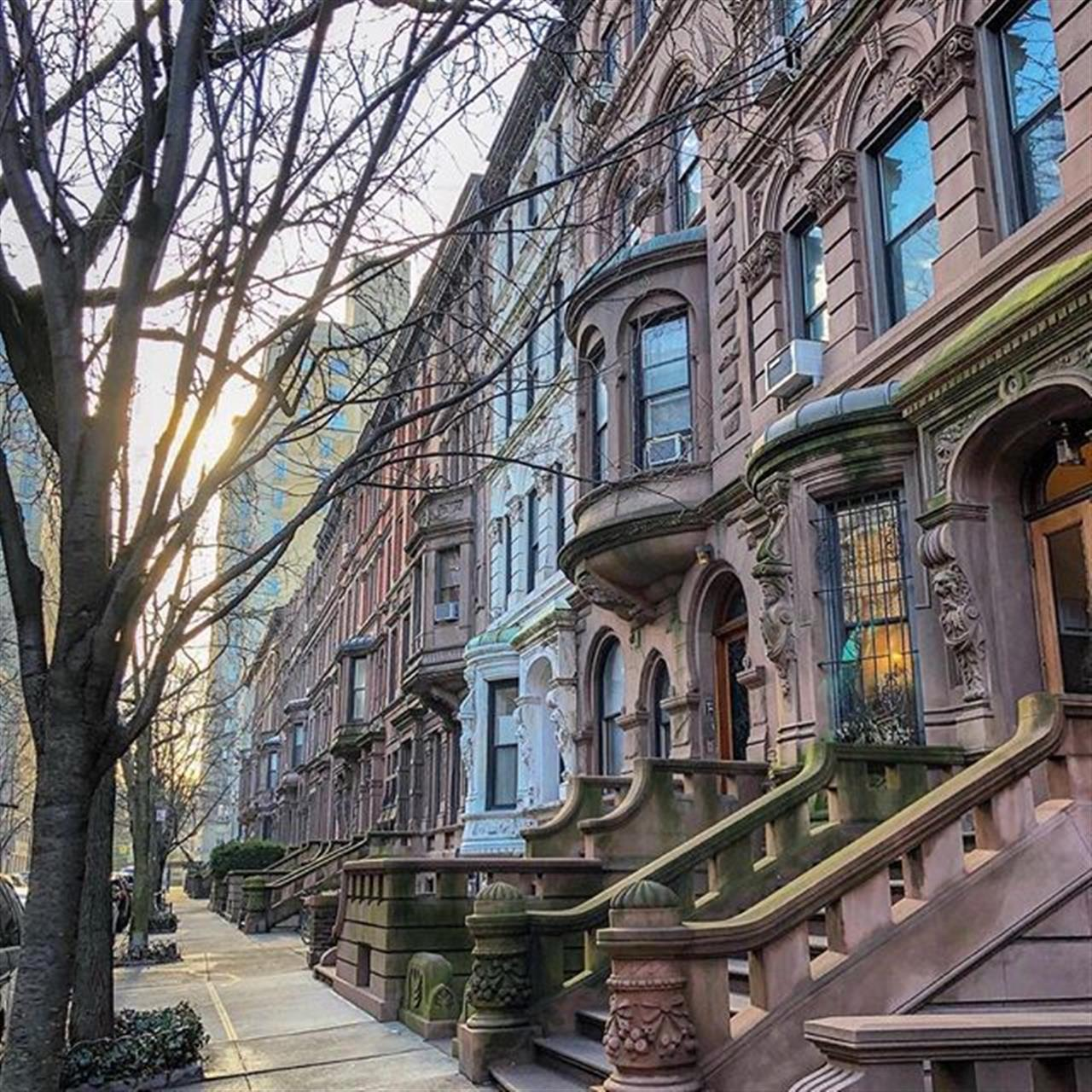 Upper West Side #townhouse #uws #upperwestside #townhouseliving #Realestate #maryanncjohnson #halstead #leadingrelocal