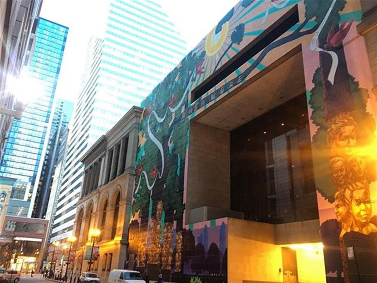 Have you seen the back of #Chicago Cultural Center? Mural magic. #publicart #chicagohistory #maggiedaleypark #loop #leadingrelocal #bairdwarner