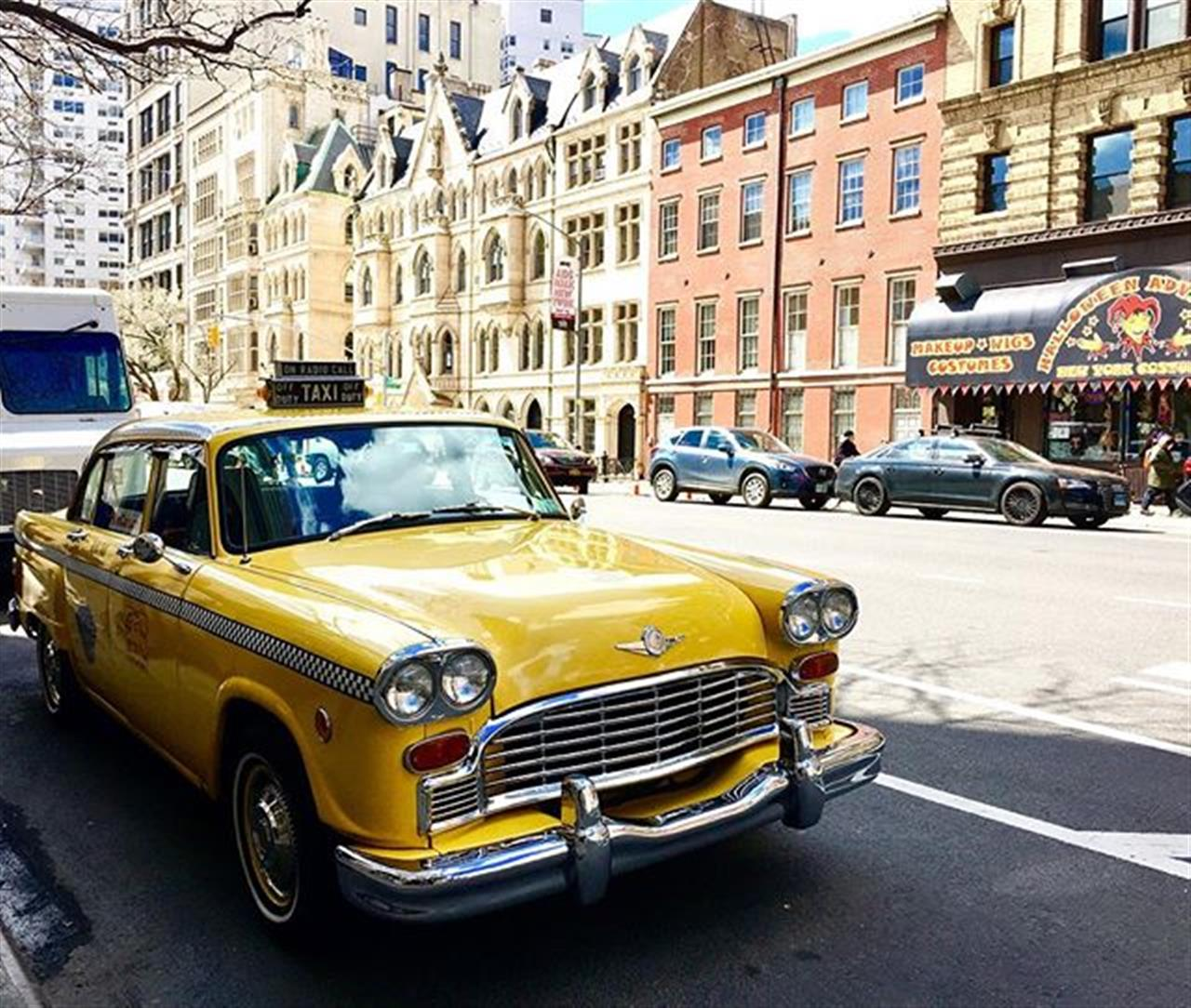 "From the Series """"This is my Town"""" (iPhone shots) Da S├®rie """"Minha Cidade"""" I just love the charm of Old New York!! Old yellow taxi in front of 111 Fourth Avenue, my favorite loft building in NYC. Photo: Wigder Frota #thisismytown #minhacidade #111fourthavenue #newyork #nyc #ilovenewyork #homesweethome #leadingrelocal #exploreyourhood #halsteadproperty #travel #photography #instatravel #travelphoto #traveltheworld #travelphotography #wigderfrota #photobywigderfrota #travelpicsdaily #tourism #travelblog #travelgram #discover #discovery #nationalgeographic #lonelyplanet #sharetravelpics  #instadaily #instagood #instagram"