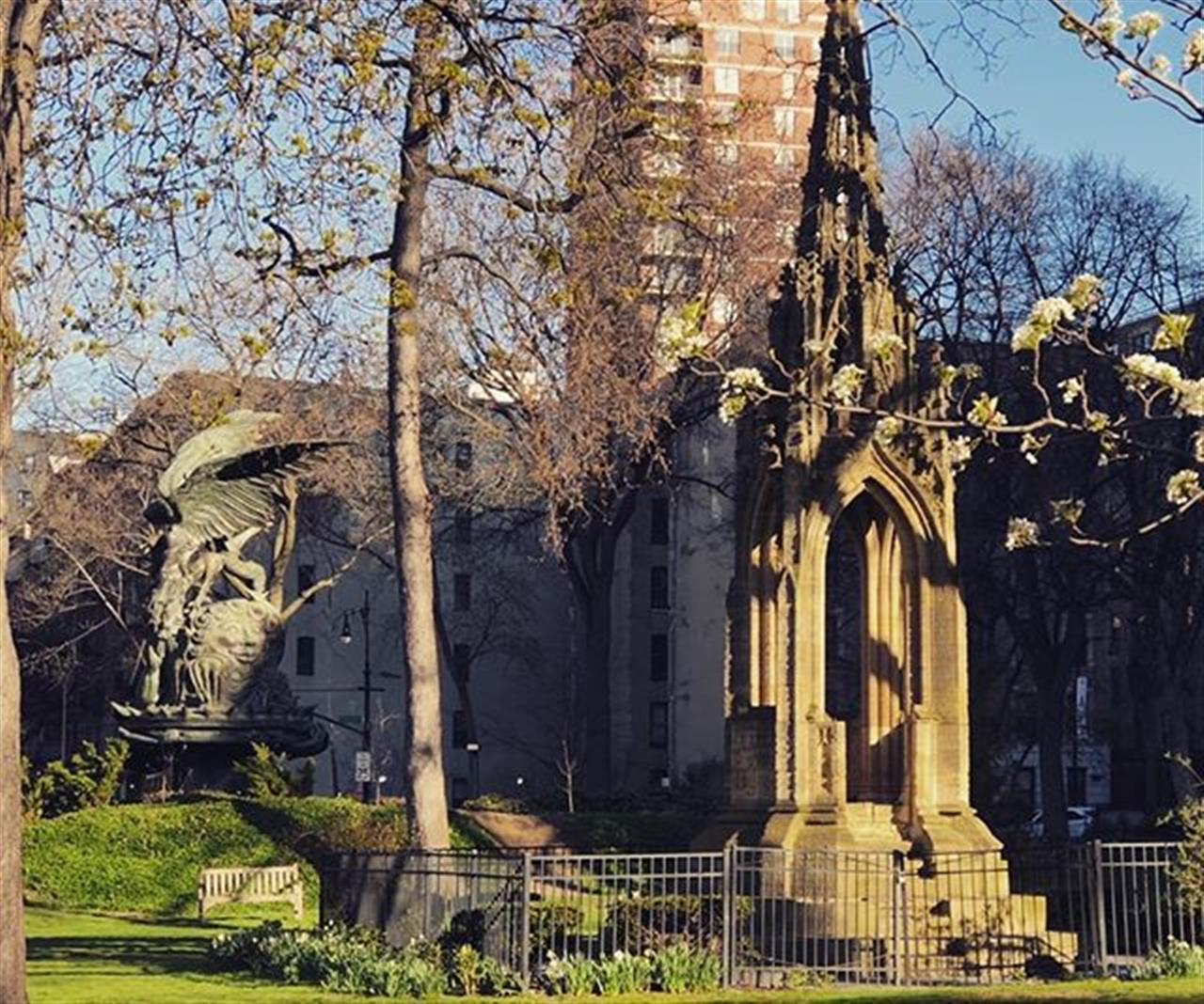Glorious Monday on the Close @Cathedralstjohndivine #mondaymorning #mondaymotivation #MaryannKnowsManhattan #maryanncjohnson #halstead #leadingrelocal #exploreyourhood #cathedralstjohnthedivine