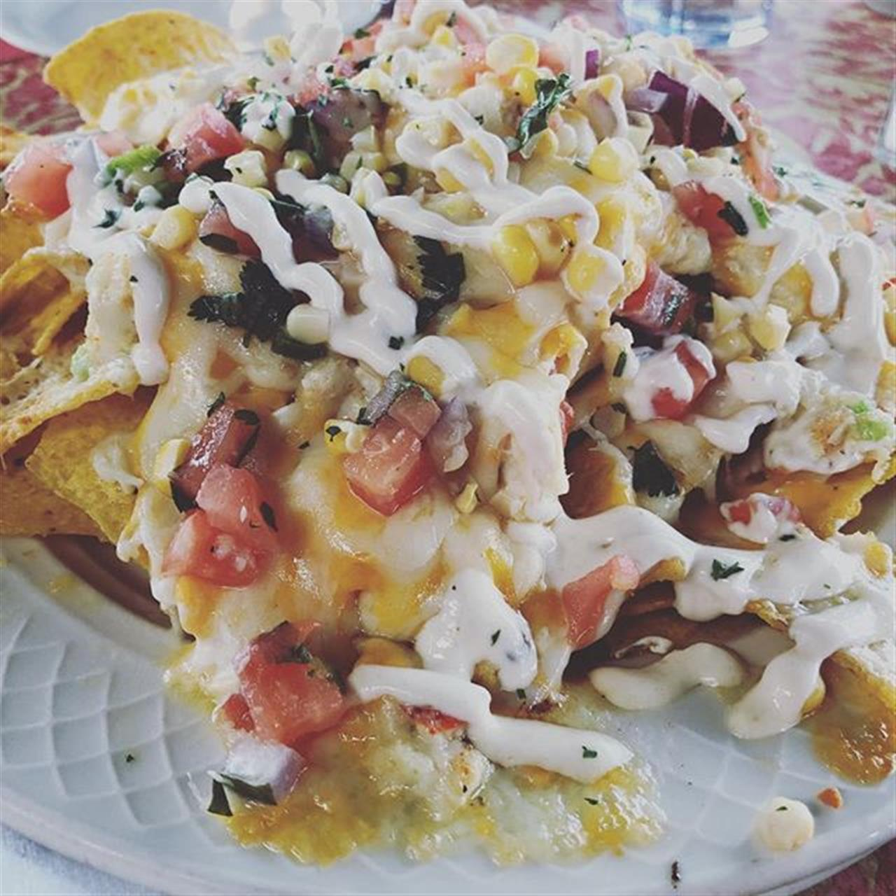 After a long day of #realestate and writing offers, its time to celebrate with lobster and crab nachos from @themerrickinn  #sharethelex #realtor #salliedavidsonrealtors #leadingre #realtorsgottaeat #foodie #lexky #delicious