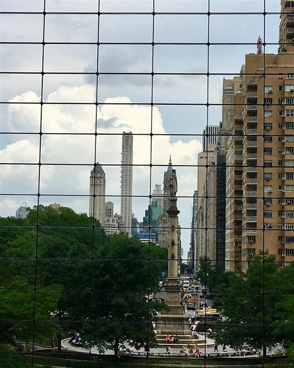 """View of Columbus Circle from Time Warner Center From the Series """"""""This is my Town"""""""" (iPhone shots) Da S├®rie """"""""Minha Cidade"""""""" Photo: Wigder Frota #thisismytown #minhacidade #columbuscircle #newyork #nyc #ilovenewyork #homesweethome #leadingrelocal #exploreyourhood #halsteadproperty #travel #photography #instatravel #travelphoto #traveltheworld #travelphotography #wigderfrota #photobywigderfrota #travelpicsdaily #tourism #travelblog #travelgram #discover #discovery #nationalgeographic #lonelyplanet #sharetravelpics  #instadaily #instagood #instagram"""