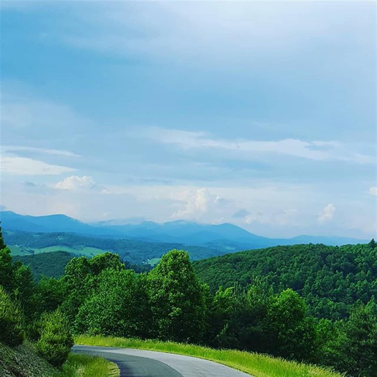 Beautiful views the other day from This development in the Goshen Valley. This subdivision only has 1-2 homes so far, why I wonder? It's in a great location and the prices are reasonable. Just another real estate mystery! . . . #CarlsonRealtors #LeadingRELocal #BlowingRock #Boone #HighCountryHomeSpecialists #RealEstate #NCHighCountry #NCMountains #Realtorlife #LongRangeViews #Appalachians #foreverviews